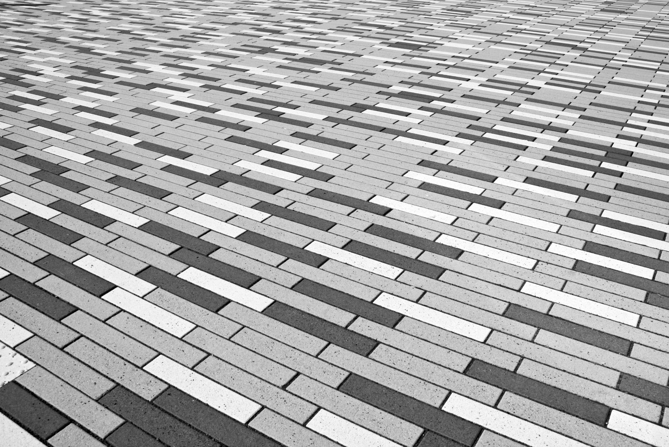 TILE FLOORING: TYPES OF MATERIALS